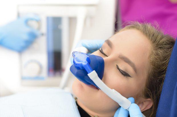 Lachgas beim Zahnarzt